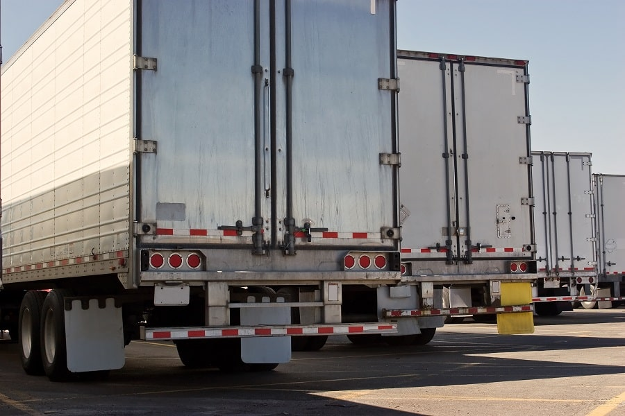 Volume LTL vs Partial Truckload Shipping: